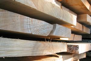Kombinieren_Holzstapel
